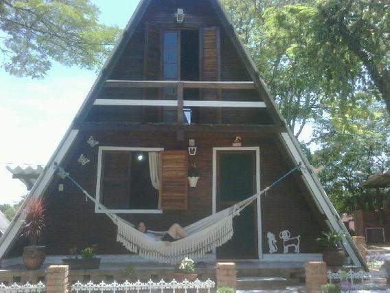 Chale De Madeira Em Camping
