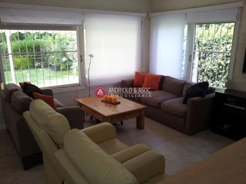 Casa En Zona Lugano- Ref: 5085