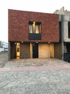 Hermosa Residencia En Venta Excelentes Acabados En Solares Guadalajara