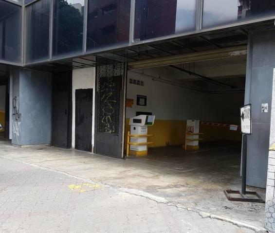 Estacionamiento,edificio Local, Negocios, Renta House