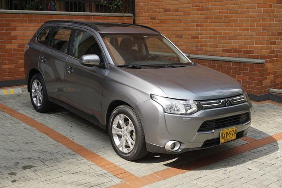 Mitsubishi New Outlander 2.4 L, 4x4 Automática, 7 Puestos