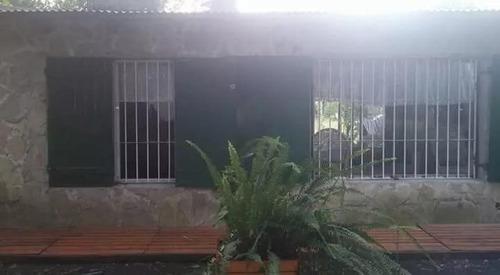 Casa 2 Dorm. Lote 20 X 100  .apta Banco - Abasto