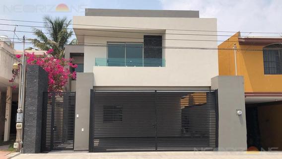 Casa Nueva En Venta Con Jardín En Col. Manuel R Diaz, Cd. Madero