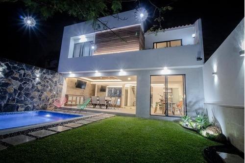 Venta De Preciosa Casa Por Avenida San Diego Cuernavaca