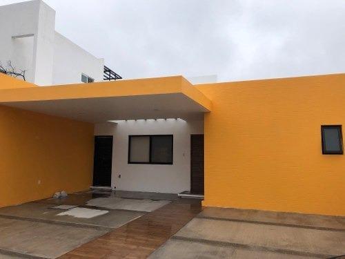 Casa En Renta Zibata, En Una Sola Planta Querétaro