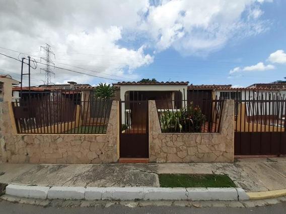 Casa En Venta Cabudare Valle Hondo 19-13878