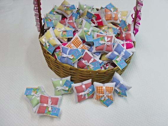 30 Lembrancinhas Travesseiro/ Almofada Com Tag Personalizada