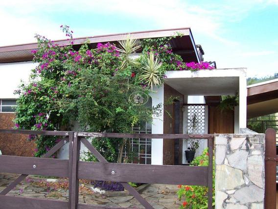 Casa Em Águas De Lindoia No Centro, Terreno 306,00 Mts. 3 Dormts Suite 270 Mts. Construídos. - Ca0379