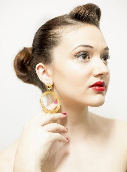 Brinco De Argola Transparente Com Glitter Dourado Resina