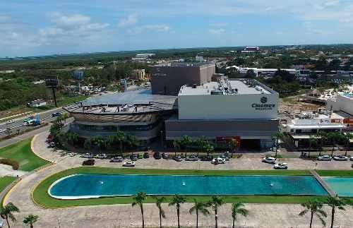 Locale En Renta, Plaza La Roca, Cancún, Q. Roo