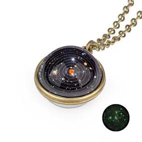 Colar Pingente Esfera Sistema Solar Planetas Brilha Escuro