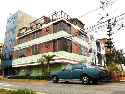 ¡linda Residencia De 3 Plantas Mas Azotea En Urb. Arco Iris,