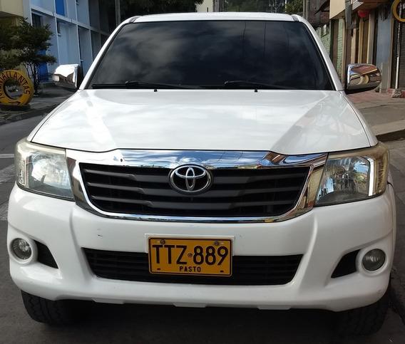 Camioneta Toyota Hilux 2.7cc 2013