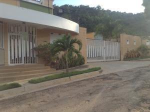 Townhouse En Venta El Parral Valencia Carabobo 20-873 Rahv