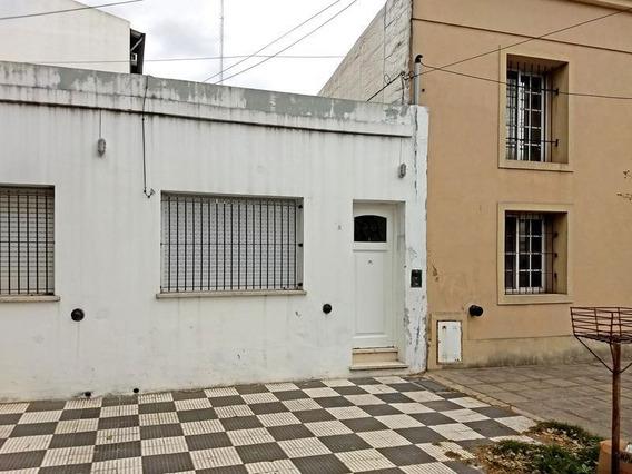 Casa En Alquiler 2 Dormitorios En Campana Centro. Amoblado. Temporario. Ideal Empresas