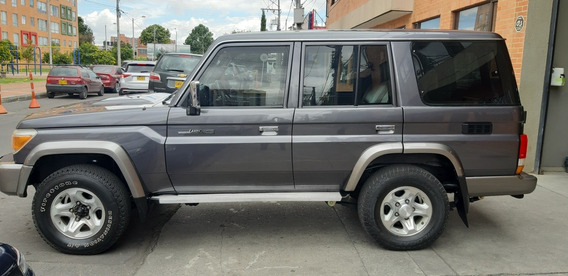 Toyota Land Cruiser Blindada