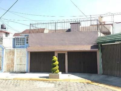 !venta De Casa Remodelada Con Jardín Posterior, En Bosques D