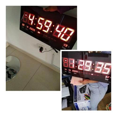 Reloj Digital De Pared Led 46 X 22 Cm Calendario Temperatura