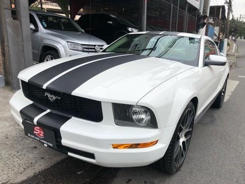 Ford Mustang 4.0 Coupé V6 12v