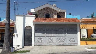 Casa En Venta En Independencia Infonavit