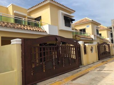 Residenciales De Casas En San Isidro