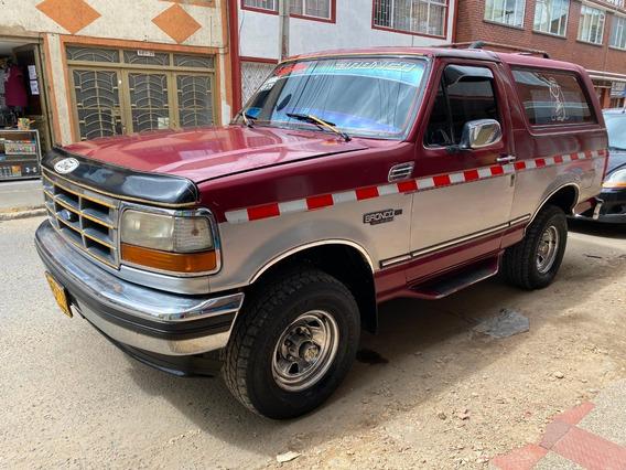 Ford Bronco Xlt Vinotinto/plata Mt 5.0 4x4
