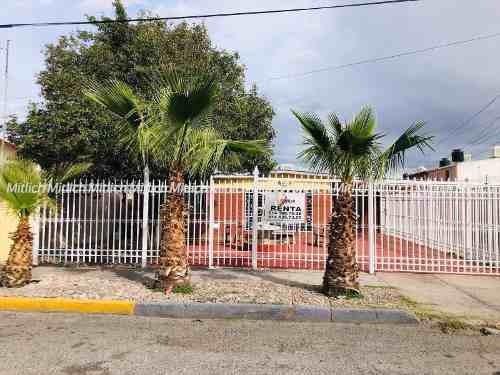 Casa Sola En Renta Renta Col. Panamericana $20000 Mensuales.