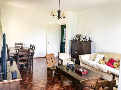 Apartamento En Malvín Como A Estrenar. Al Sur De Rivera