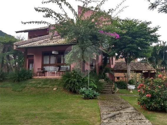 Bela Casa Em Condomínio Fechado No Bairro Sambaqui - 29-im385559