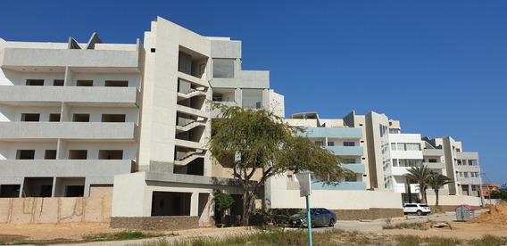 Apartamento De 60m2 En Venta Playa El Yaque