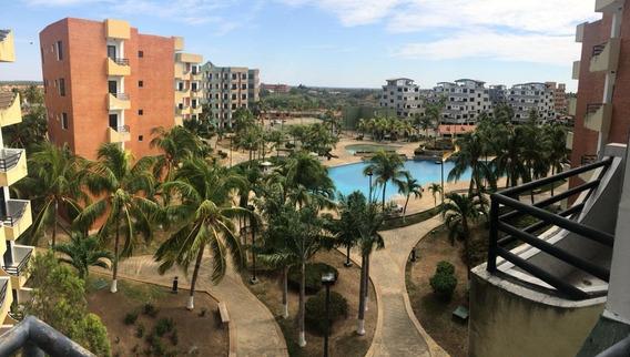 Diana Salcedo Vende Apartamento En La Playa 21-3217
