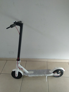 Scooter Electrico Plegable Ollie, Negro Y Blanco + Delivery