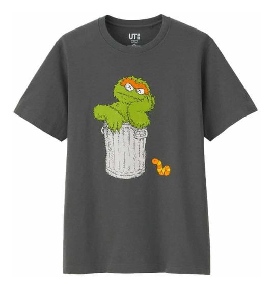 Playera Tshirt Kaws X Sesame Street Oscar El Gruñón Original