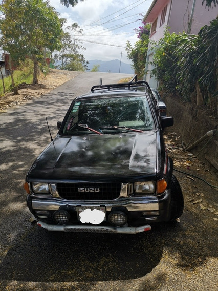 Isuzu Pick-up Spacecab
