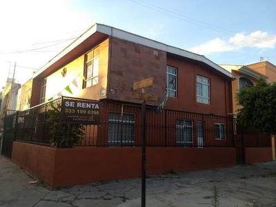 Casa En Esquina, Sobre Avenida, En Colinas De La Normal