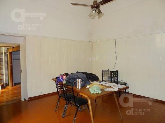 Villa Crespo. Ph 6 Ambientes Con Terraza. Alquiler Temporario Sin Garantías.