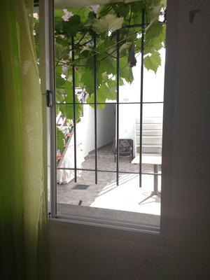 Se Alquila 1 Monoambiente Ubicado En Casa Terrera De 250m2