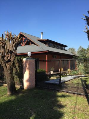Quinta Fco Álvarez 1900 Mts Parque Piscina Chalet D Nivel