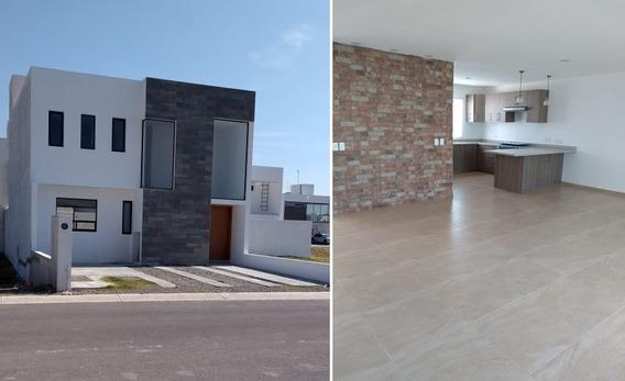 Estrena Casa En Grand Juriquilla, Alberca, 3 Recámaras, 2.5 Baños, Jardín, Lujo!