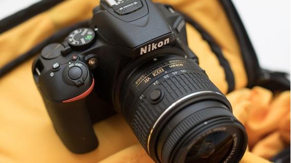 Câmera Nikon D5500 Com Lente 18-55mm