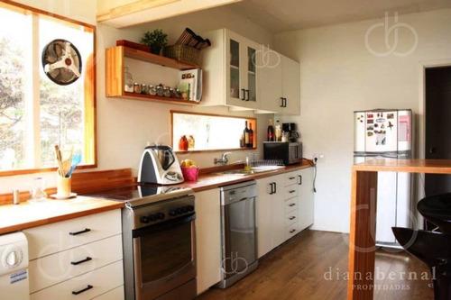 Casa De 4 Dormitorios Próxima Al Mas En Playa Mansa, Punta Del Este - Ref: 43201