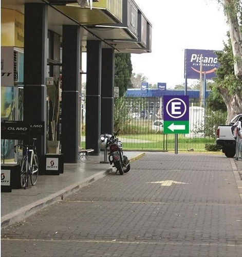 Local  Acceso Oeste   Pres. Perón 9400  Parque Leloir