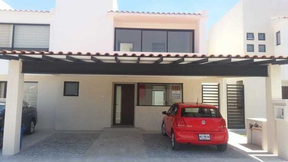 Casa En Renta Club Residencial Los Castaños , Metepec
