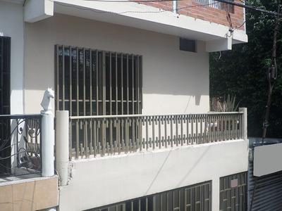 Casa Esquinera En Villa Del Prado
