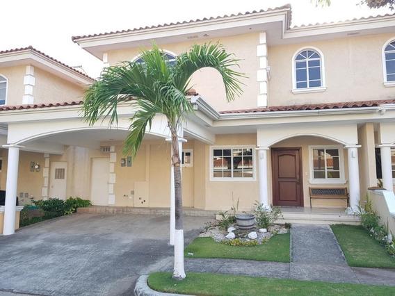 Casa En Venta En Costa Del Este Palmeras #20-1587hel**