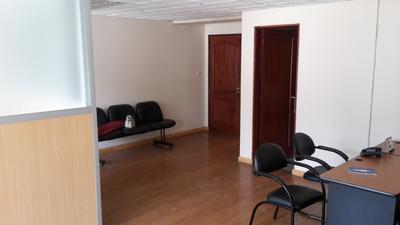Oficina De Arriendo Av. Amazonas Y Gral. Robles