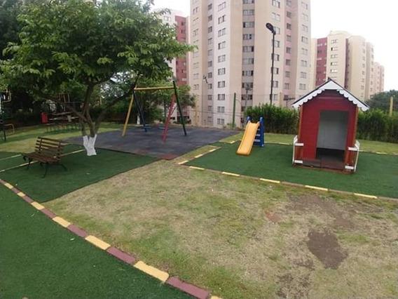 Apartamento 02 Dormitórios, 01 Vaga Cond. São Cristovão - 11353