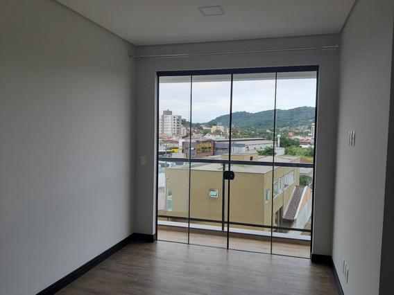 Apartamento Em Bom Retiro, Joinville/sc De 57m² 2 Quartos Para Locação R$ 1.700,00/mes - Ap277122