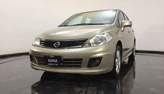 Nissan Tiida Hatch Back Emotion / Combustible Gasolina , Cd