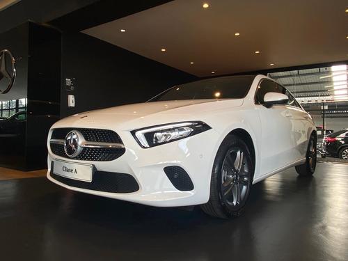 Mercedes Benz Clase A 4*2 At Sedán Blanco 2022 - 0km
